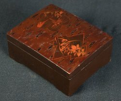 Lacquered wood box 1900s